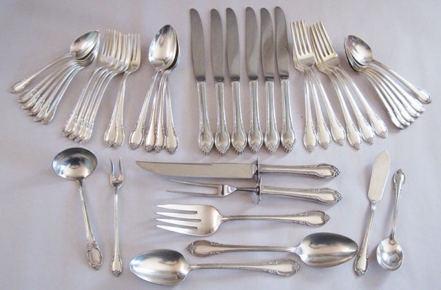dating silverware Flatware should be arranged around a dinner plate according to what's going to be served strong, reliable (sounds like a dating website profile, haha) april 9, 2016.