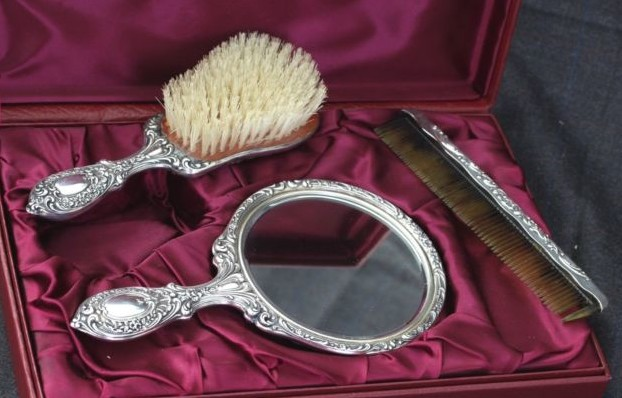 vanity mirror and brush sets